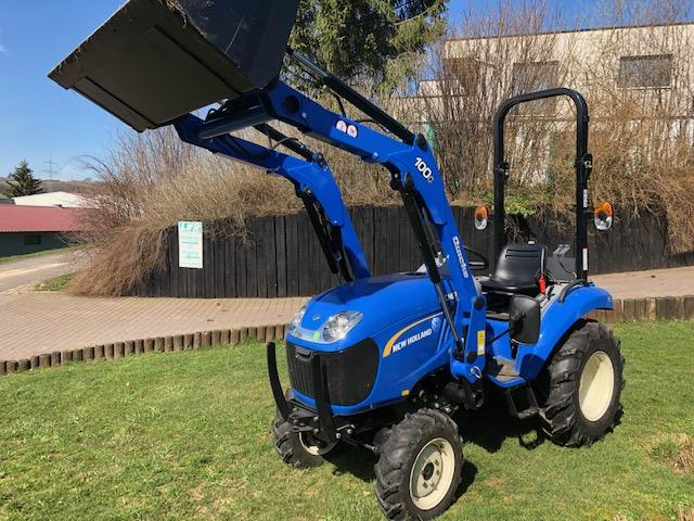 New Holland BOOMER 25 + Frontlader