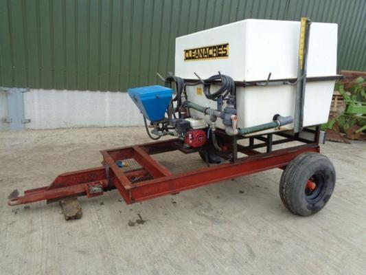 Cleanacres Used  2200 Litre Chemical Mixing Tank