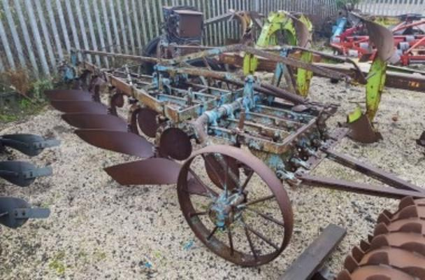 Ransomes  HEXATRAC 5 FURROW TRAILING PLOUGH
